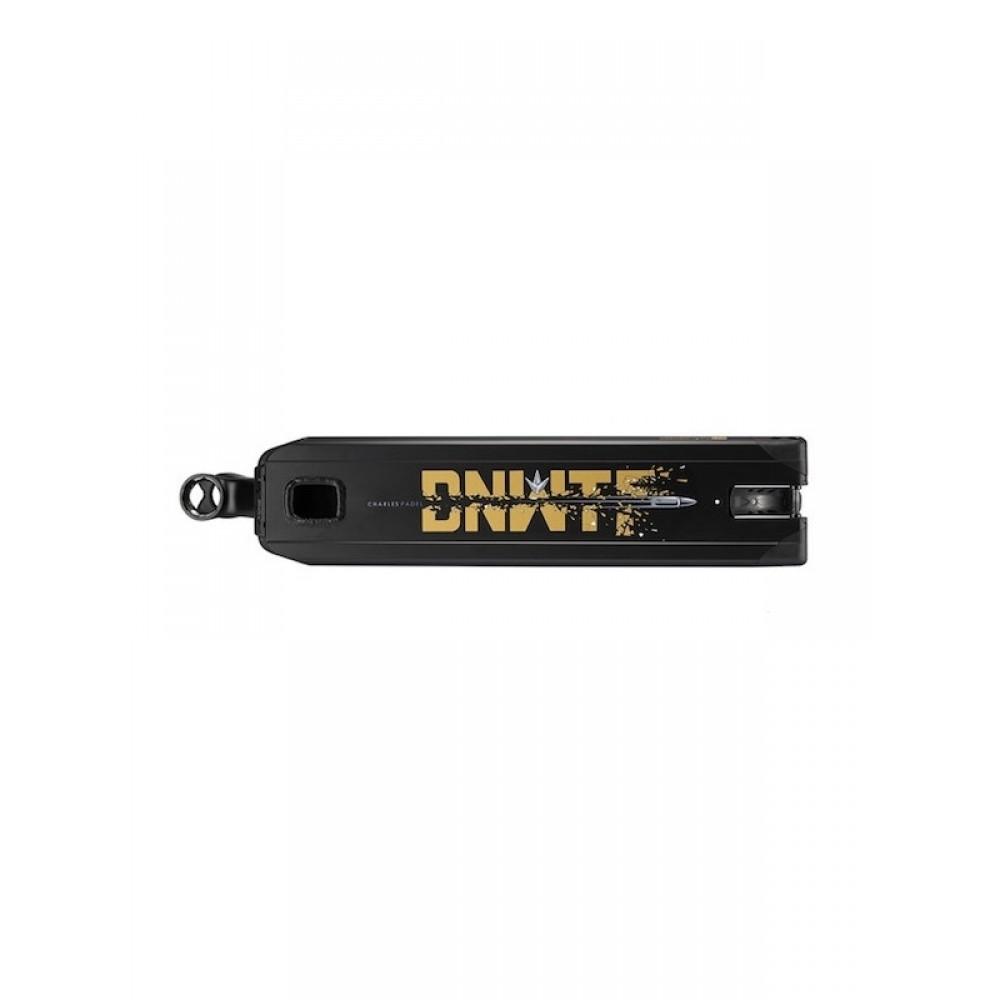 Blunt AOSv4 Ltd Charles Padel deck